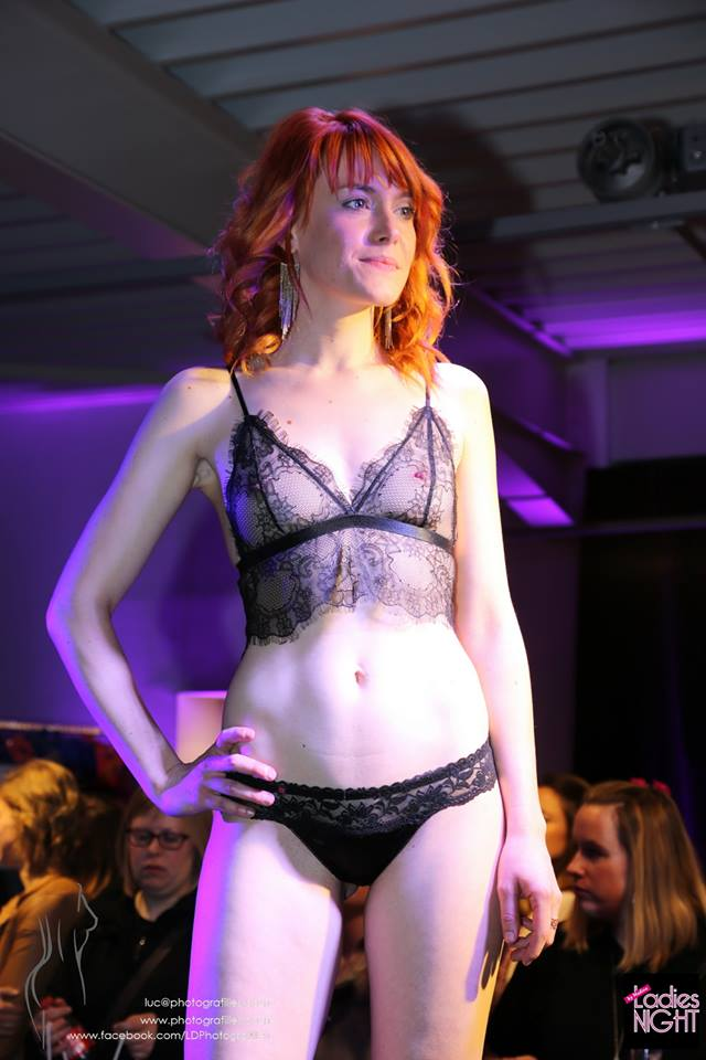 softlove-mannequin-dentelle-lingerie-sexy-transparence